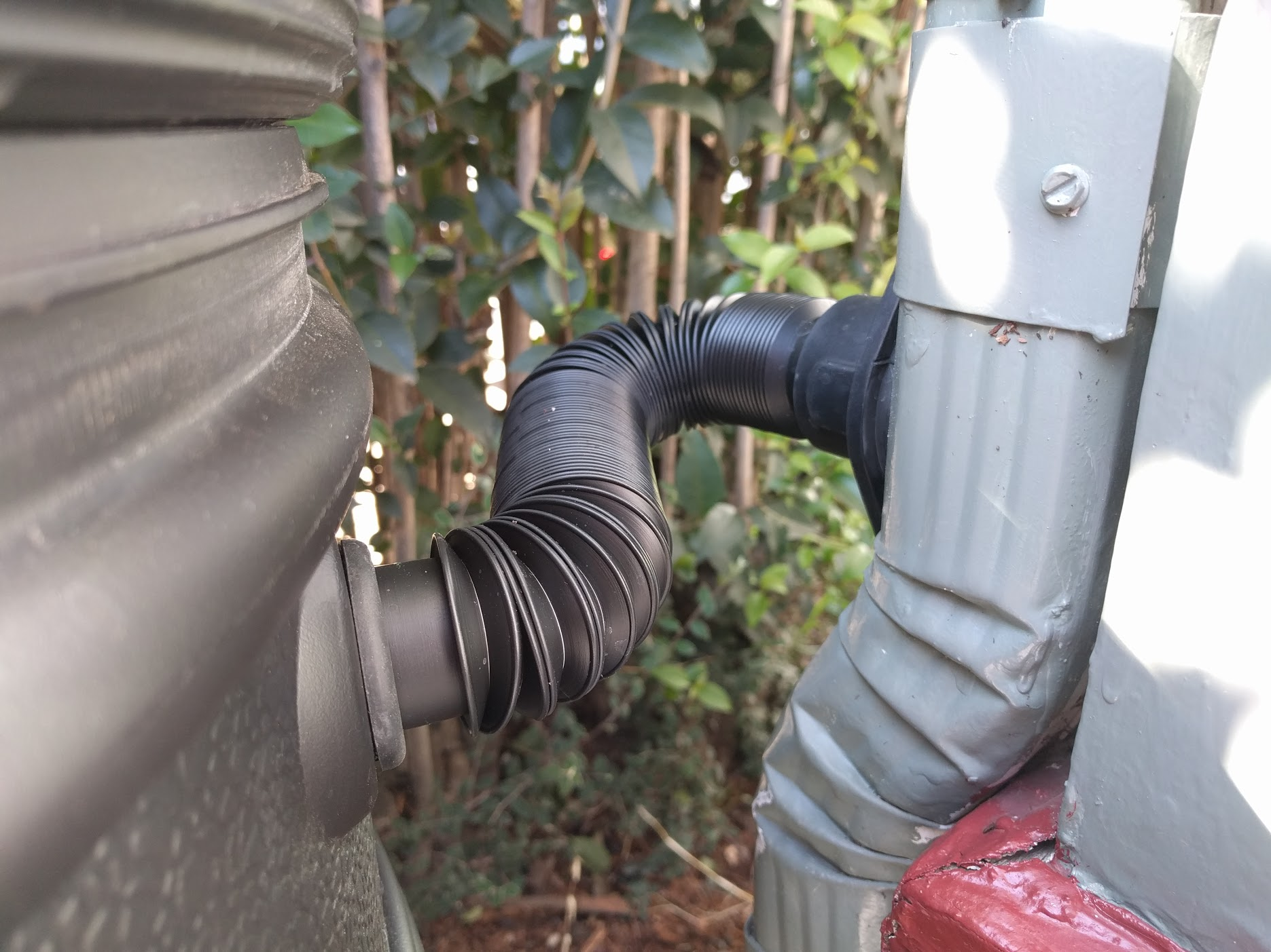 barrel downspout connection
